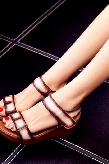 Women Summer Fashion Solid Color Thick-soled Sandals